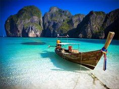 Find where the best dive spot are in Thailand.  Thailand has an amazing marine life diversity from the golf of Thailand to the Andaman sea.