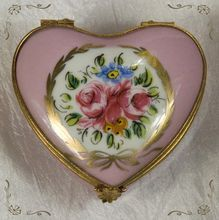 French Limoges Hand Painted Rose Pink Heart Gold Gild Trinket Box