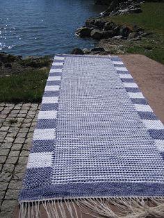 trasmattor & inspiration Weaving Art, Loom Weaving, Hand Weaving, Loom Yarn, Picnic Blanket, Outdoor Blanket, Rug Inspiration, Rug Texture, Rug Hooking
