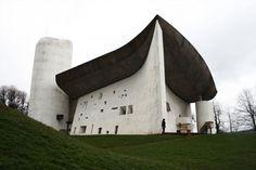 Notre Dame du Ronchamp / Le Corbusier. © Cara Hyde-Basso