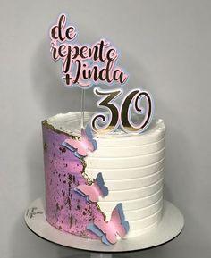 Baby Girl Birthday Cake, 18th Birthday Cake, Cake Decorating Designs, Cake Designs, Buttercream Flowers, Buttercream Cake, Miss Cake, Red Cake, Birthday Cake Decorating