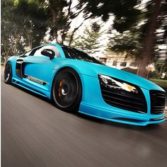 Drop dead gorgeous Audi R8 Awesome color!