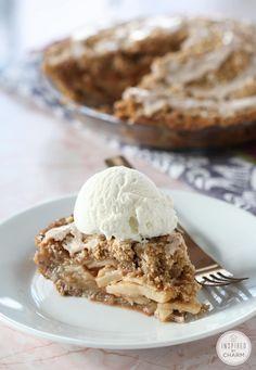 Cinnamon Roll Apple Pie #cinnamonroll #apple #pie #dessert #recipe Best Apple Recipes, Best Apple Pie, Apple Dessert Recipes, Fall Recipes, Baking Recipes, Delicious Desserts, Favorite Recipes, Easter Recipes, Drink Recipes