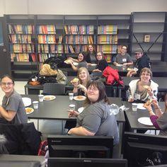 Pizza ! Pause dîner pour les étudiants de la #techdoctr aux #portesouvertes2013 ! #cegeptr #troisrivieres