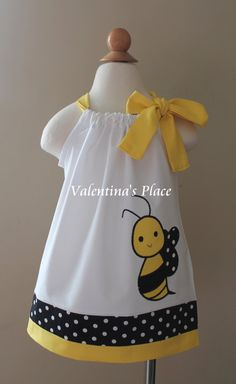 Adorable Bumble Bee pillowcase dress in a beautiful color combination. This dress would be just perfect for your bee themed birthday party. Little Girl Dress Patterns, Baby Girl Dress Design, Little Girl Dresses, Toddler Dress, Baby Dress, Dresses Kids Girl, Kids Outfits, Pillowcase Dress Pattern, Kids Frocks Design