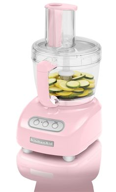 KitchenAid Pink Food Processor from The Pink Store. Saved to chic kitchen wear. Shop more products from The Pink Store on Wanelo. Pink Kitchen Appliances, Kitchen Items, Kitchen And Bath, Kitchen Gadgets, Kitchenaid Food Processor, Food Processor Recipes, Kitchenaid Pink, The Pink Store, Pink Dishes