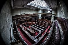 Sheffield Crown Court. #socialsheffield #sheffield Happy City, South Yorkshire, Derbyshire, Sheffield, Abandoned Places, Old And New, Nature Photography, England, Crown
