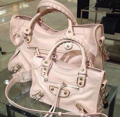 Luxury Bags, Luxury Handbags, Purses And Handbags, Divas, Balenciaga City Bag, Pink Balenciaga, Balenciaga Handbags, Celine Bag, Beautiful Bags