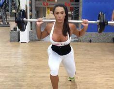 Treino completo de quadríceps da Gracyanne Barbosa, feito por ela dia 25 de setembro de 2016:         Agachamento 15/12/10/8/6    Leg dr...