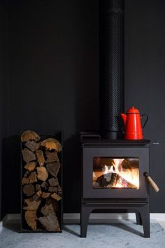 Wood Stove (against a dark wall) Home Fireplace, Fireplace Design, Gas Stove Fireplace, Black Fireplace, Fireplace Ideas, Freestanding Fireplace, Freestanding Stoves, Interior And Exterior, Interior Design