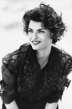 Linda Evangelista THE SUPERS The fashion equivalent of action figures, the supers, one-named wonders, traveled in packs and defined glamour with a capital G.
