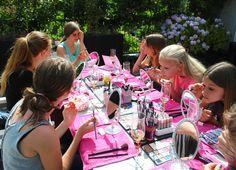 Altijd op zondag kinder of tiener party. Heerlijk genieten,lekker eten en makeup.  Voor meer informatie: www.makeupboost.nl