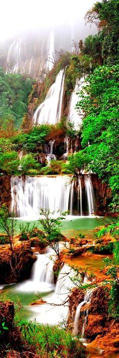 Vodopád Thi Lo Su je vyhlásený za najväčší a najvyšší vodopád v Thajsku. Stojí 250 metrov vysoký a takmer 450 metrov (1,480 stôp) široký na rieke Mae Klong, tečúcou z Huai Klotho do Umphang Wildlife Sanctuary v provincii Tak v severozápadnom Thajsku.
