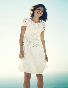 Ich+habe+das+auf+@BodenDirect+entdeckt.+Kleid+mit+hübscher+Lochstickerei+