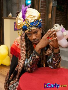 If you trick-or-treat as a Fortune Teller you can store extra candy in your hat. Fortune Teller Costume, Barbie Funny, Icarly And Victorious, Tv Show Casting, Nickelodeon, Cancerian, Old Disney, Girl Meets World, Oui Oui