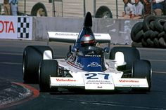 Mario Andretti drives the Parnelli VPJ4 002/Ford Cosworth during the inaugural United States Grand Prix West at the Long Beach Street Circuit in Long...
