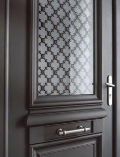 Athéna - Porte d'entrée aluminium classique mi vitrée