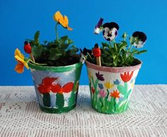 Mother's Day Project.  Great idea for painting 'peat pots'.  Inexpensive and priceless!!