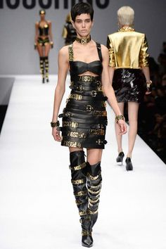 Moschino Fall 2014 Ready-to-Wear Collection Slideshow on Style.com