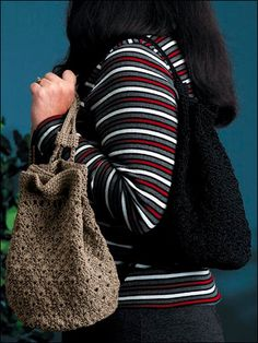 Trendy drawstring tote bag to carry anywhere. Make this crochet handbag pattern with 400 yds of nylon cord and Size G crochet hook. Crochet Backpack Pattern, Free Crochet Bag, Crochet Purse Patterns, Handbag Patterns, Crochet Tote, Crochet Handbags, Crochet Purses, Knit Crochet, Funny Crochet