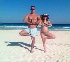 Conectar con tu bebe en el embarazowww.dream-om.com Om, Pregnancy, Swimwear, Fashion, Bebe, Bathing Suits, Moda, Swimsuits, Fashion Styles