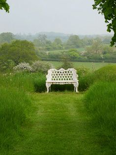 Garden Bench  Home Bunch/Wildwood Manor House....how beautiful.... to be surrounded by all that green!