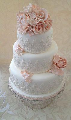 peaches and cream  Cake by nikinackyloo76