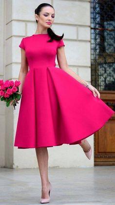 Los que le gusta a mi esposo 💘 - Jw outfit look book - Kleid Hot Pink Dresses, Pink Outfits, Modest Dresses, Simple Dresses, Classy Outfits, Elegant Dresses, Pretty Dresses, Vintage Dresses, Beautiful Dresses