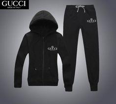 Gucci Men Trainingsanzug Herrenschuhe - My Bag Ideas Men Dior, Gucci Men, Gucci Sweat Suit, Camisa Gucci, Hugo Boss, Designer Tracksuits, Dope Outfits For Guys, Versace T Shirt, Outfits