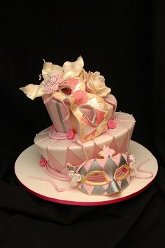 Masquerade cake - not the colours but nice layout