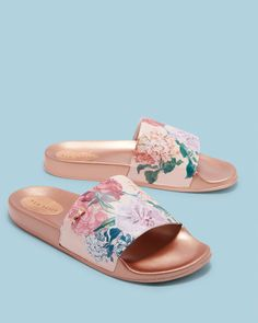 Discover women's shoes with Ted Baker. Choose from block heel sandals, high heels, peep toe shoes, floral patterned and leather ladies footwear. Teen Girl Shoes, Rose Gold Shoes, Cute Slippers, Sandals Outfit, Peep Toe Shoes, Beach Shoes, Designer Boots, Leggings, Spring Shoes