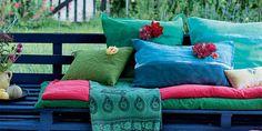 Bricolage: un salon de jardin coloré en palettes recyclées
