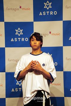 #160630showcase #160630 #160630astro #160630astroshowcase #astro #astroshowcase #astrocomeback #summervibes #breathless #fireworks #astrofancam #astrophoto #MJ #JinJin #ChaEunWoo #MoonBin #Rocky #YoonSanHa #astroprofile #astrokpop #kpopidol #kpopfancam #phototime