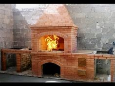 DIY building outdoor fireplace with smoker and grill & BBQ Backyard Kitchen, Outdoor Kitchen Design, Backyard Bbq, Brazilian Bbq, Brick Grill, Barbecue Design, Diy Garden Fountains, Patio Plans, Outdoor Oven
