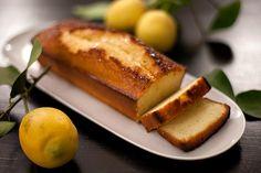 Recette de cake au citron au Thermomix TM31 ou TM5. Préparez ce dessert en mode étape par étape comme sur votre robot !