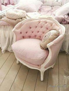 Shappy chic boudoir chair