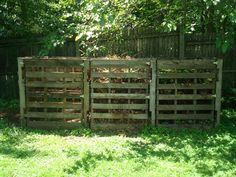 Compost bin out of pallets