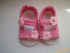 Letní háčkované sandálky Tabata, Crochet Baby, Baby Shoes, Kids, Clothes, Fashion, Zapatos, Hands, Bebe