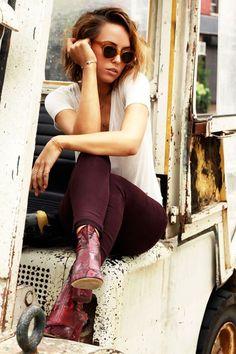 { Bus Stop Style }   FashionLovers.biz