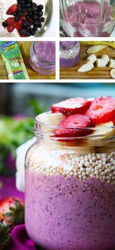 Desayuno saludable y nutritivo. Yogurt de Frutillas y Arándanos con Quinoa Pop y Plátano - Yogurt con Frutas para el Desayuno