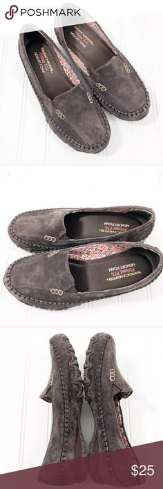 Skechers Loafers Relaxed Fit Memory Foam Suede Skechers Women's size 7.5  Loafers Relaxed Fit Memory Foam Chocolate Suede Please see photos for  condition.