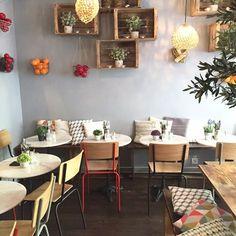 La Mangerie Paris - wood crates as plant & cookbook shelves in sitting area Cozy Coffee Shop, Coffee Shop Design, Coffee Cafe, Cafe Design, Bar Deco, Deco Cafe, Decoration Restaurant, Deco Restaurant, Bakery Interior