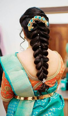 South Indian Wedding Hairstyles, Indian Hairstyles, Cool Hairstyles, Hairstyles Haircuts, Saree Hairstyles, Bride Hairstyles, Indian Hair Cuts, Medium Hair Styles, Curly Hair Styles