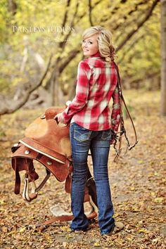 senior pictures, what a great idea! Horse Senior Pictures, Pictures With Horses, Country Senior Pictures, Horse Photos, Senior Photos, Senior Portraits, Country Poses, Senior Posing, Senior Session