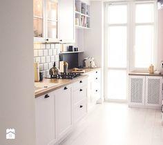 Aranżacje wnętrz - Kuchnia: Gdynia stara kamienica - Średnia kuchnia, styl skandynawski - Meblościanka Studio. Przeglądaj, dodawaj i zapisuj najlepsze zdjęcia, pomysły i inspiracje designerskie. W bazie mamy już prawie milion fotografii!