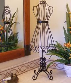 """Mannequin Dress Form Wrought Iron 29"""" Jewelry Stand 