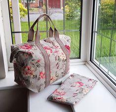 Everlasting classic beauty! Cath Kidston Garden rose design overnight bag / shopper bag, now only £28.50, the last two available. Cath Kidston - Foldaway Shopper Bag - Garden Rose, Grey