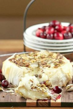 Baked Brie Appetizers - add the best Brie cheese appetizer recipes to your party menu. Ooey gooey melty brie with delicious toppings are perfect to pair with crackers to dip. Baked Brie Appetizer, Cheese Appetizers, Appetizer Recipes, Dinner Recipes, Christmas Friends, Christmas Eve, Baked Brie Recipes, Cheese Recipes, Desserts Sains