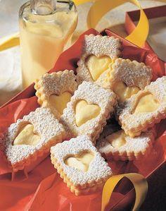 Obdelníčky s vaječným krémem Gingerbread Cookies, Doughnut, Waffles, Muffin, Baking, Breakfast, Desserts, Advent, Play Dough