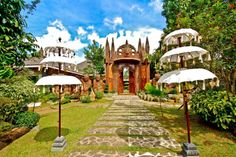 Do you want to enjoy a pleasant holiday experience? Cintai Coritos is a garden that provides the most complete leisure facilitiesin Batanga. Multi Storey Building, Batangas, Welcome Drink, Travel Tours, Yoga Retreat, Day Tours, Philippines, Taj Mahal, Camping